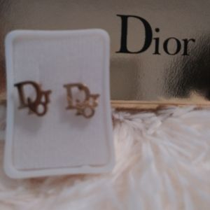 DIOR SMALL STUD EARRINGS